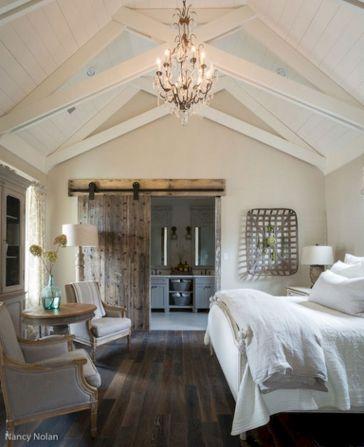 Rustic Farmhouse Style Master Bedroom Ideas 38