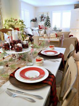 Farmhouse Dining Room Christmas Design