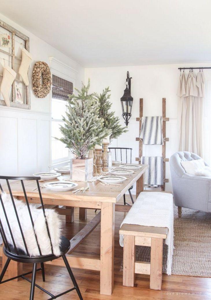 Farmhouses Dining Room Table Christmas