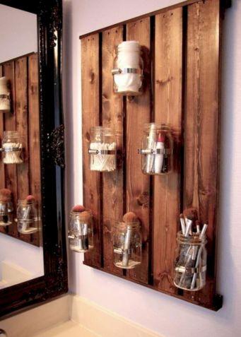 Mason Jar DIY Pallet Storage