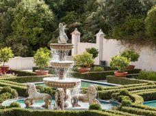 Mediterranean Garden Design Ideas