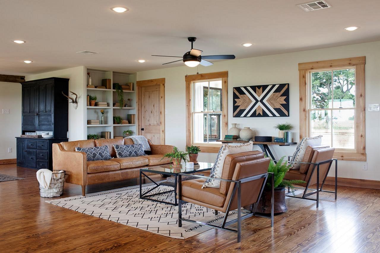 Joanna Gaines Fixer Upper Living Room - DECOREDO