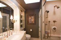 Small Master Bathroom Design 16