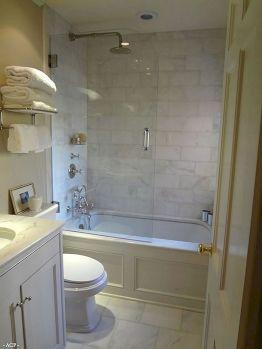 Small Master Bathroom Design 23