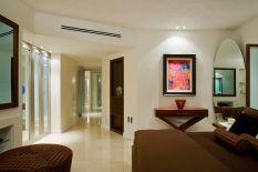 Small One Room Apartment Interior 21