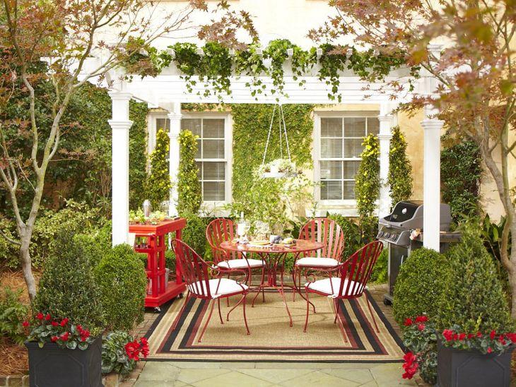 Small Outdoor Garden Decor Ideas 12