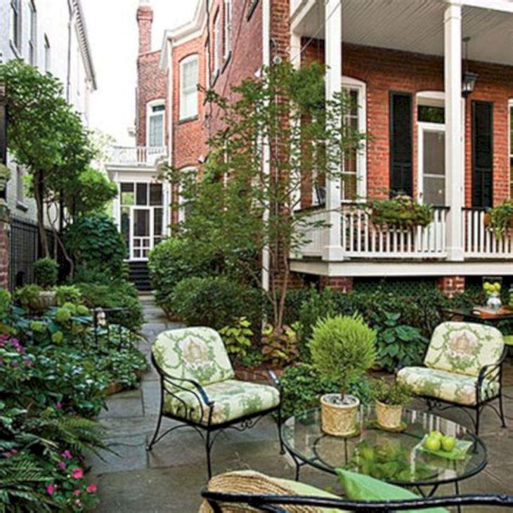 Small Outdoor Garden Decor Ideas 3