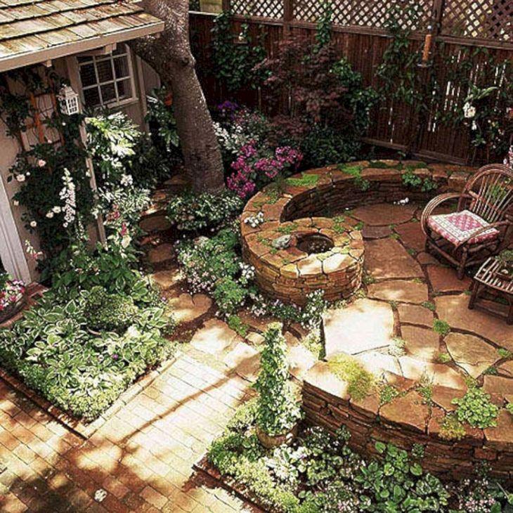Small Outdoor Garden Decor Ideas 6