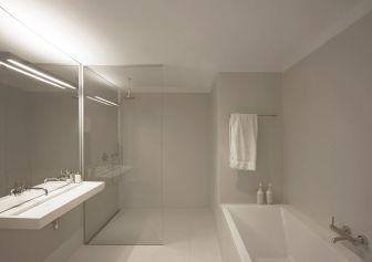 Minimalist Bathroom Design 5