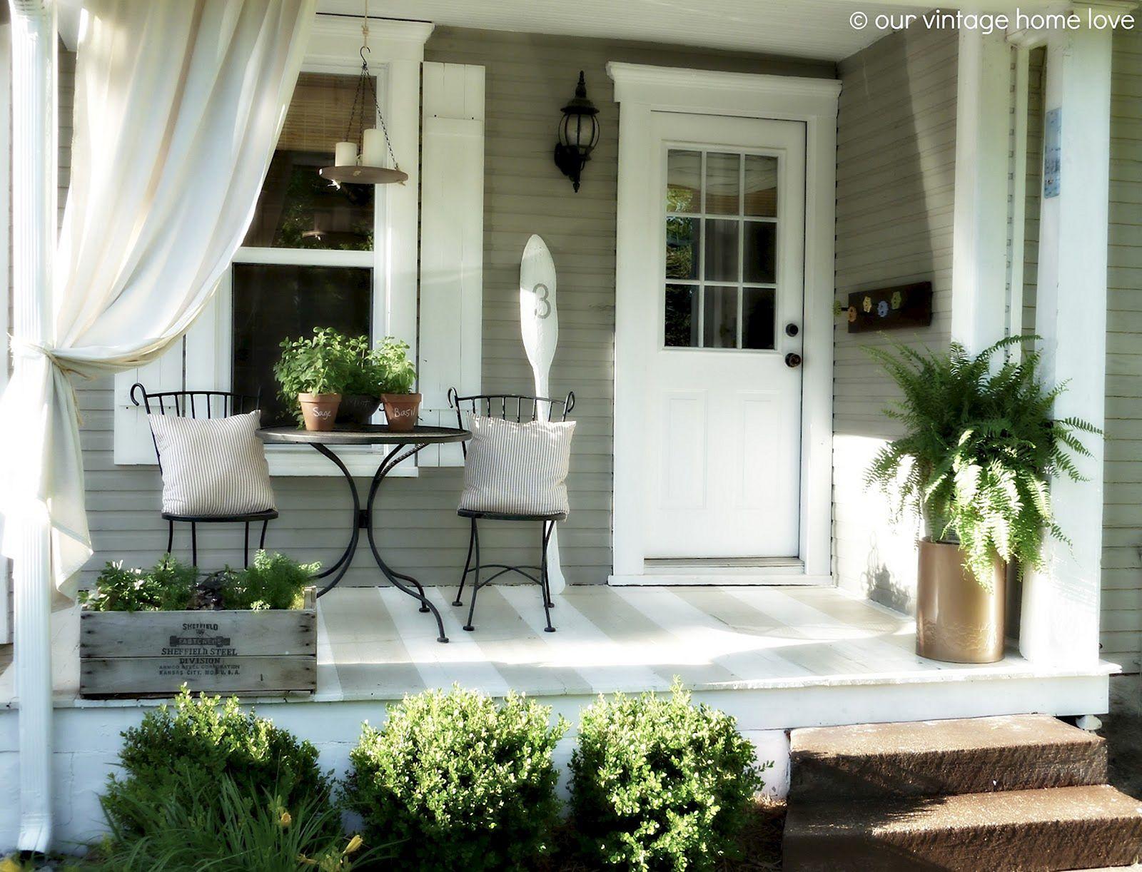 Summer Front Porch Decoration 18
