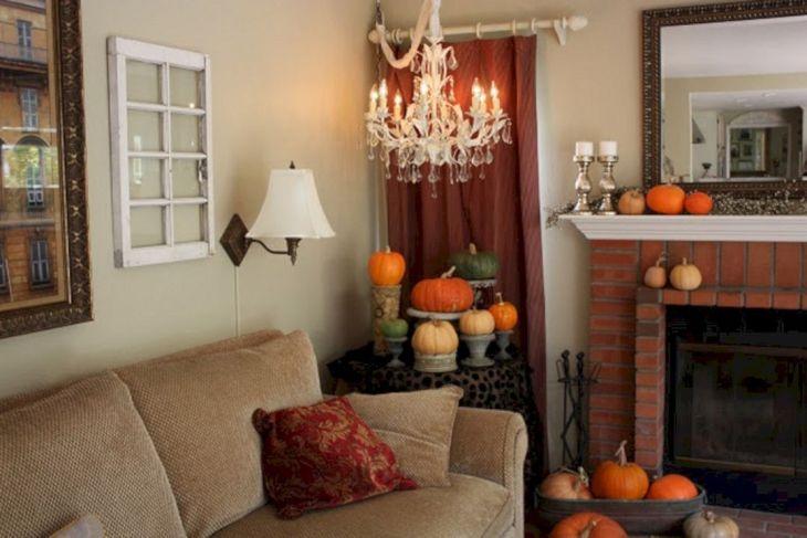 Living Room Fall Decor Ideas 37