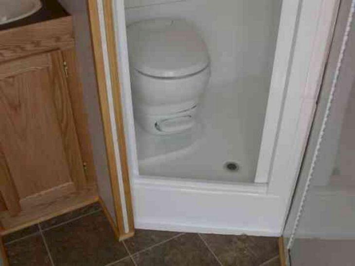 RV Bathroom Shower 029