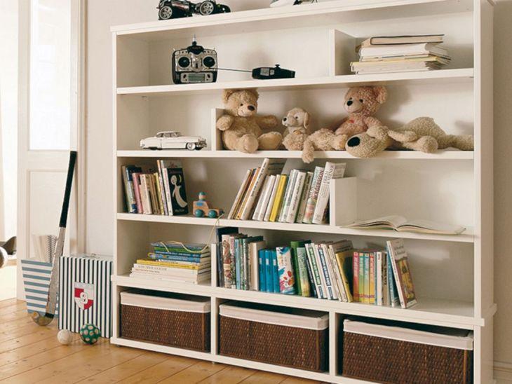 Bedroom Design with Bookshelves 4
