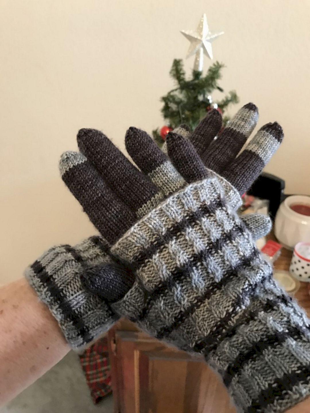 Christmas Gloves Design