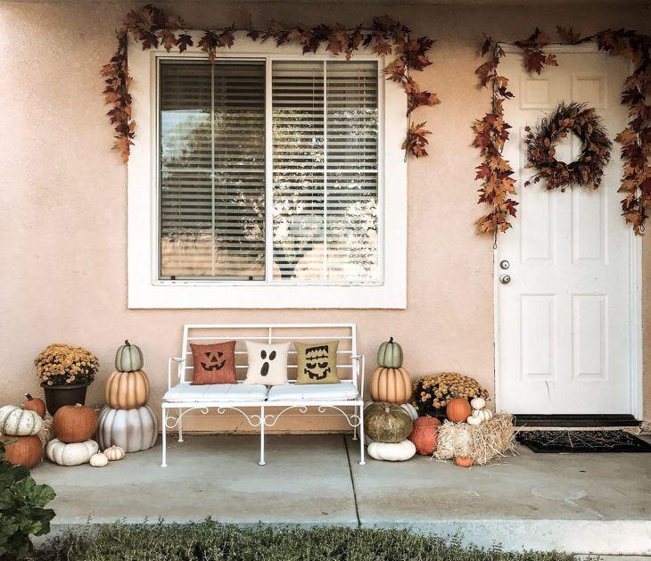Cute Fall Front Porch Design
