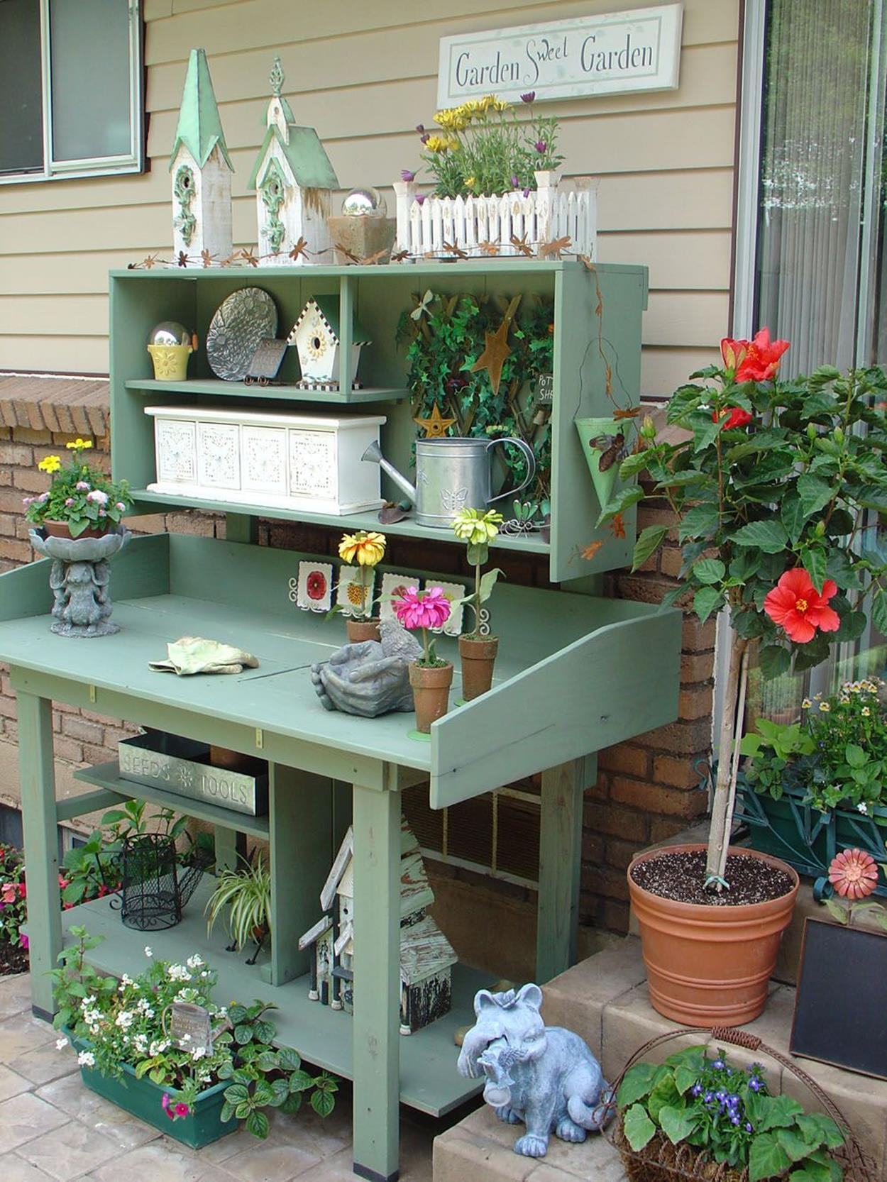 Outdoor Garden Potting Bench Design Ideas 11
