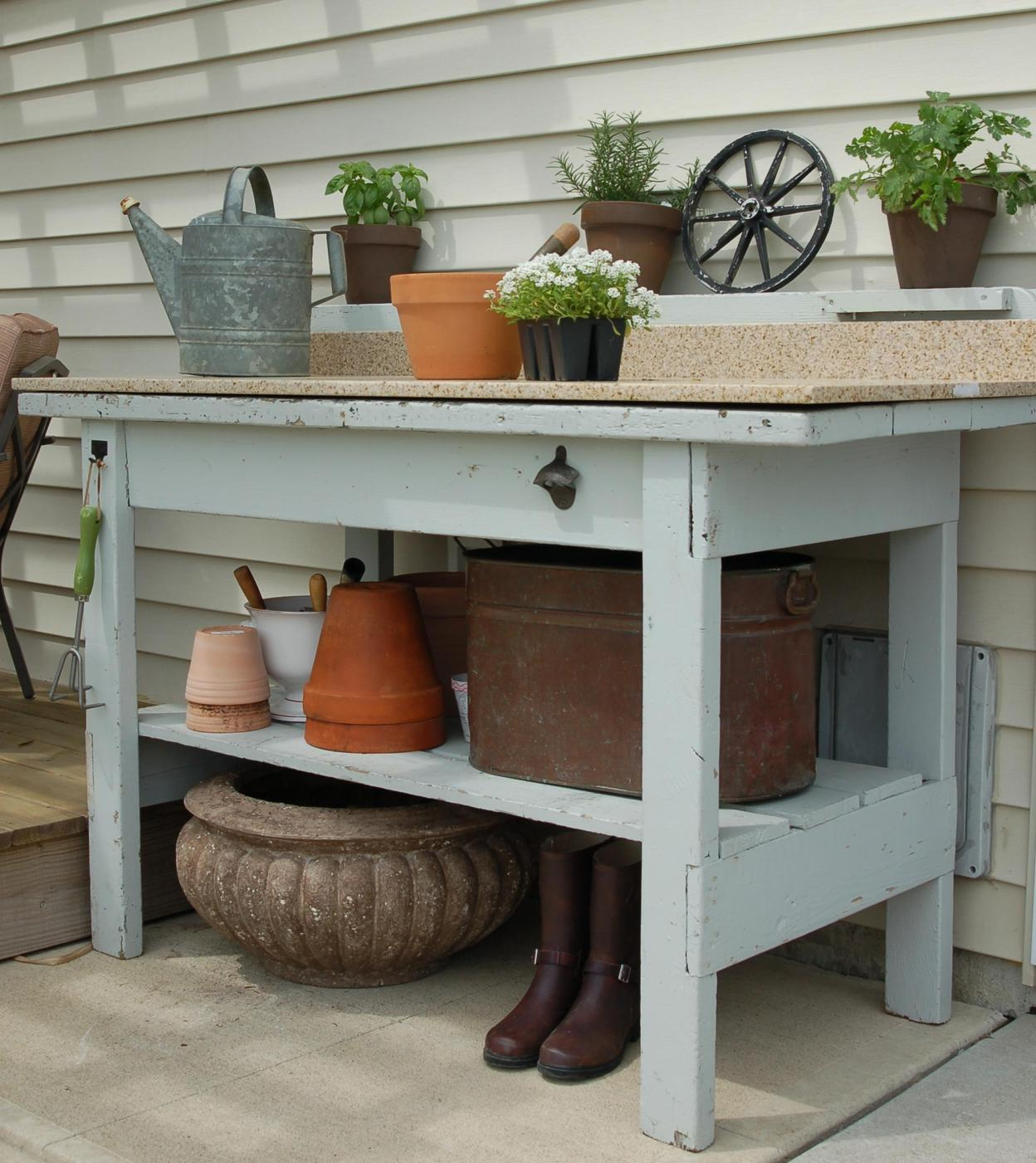 Outdoor Garden Potting Bench Design Ideas 2