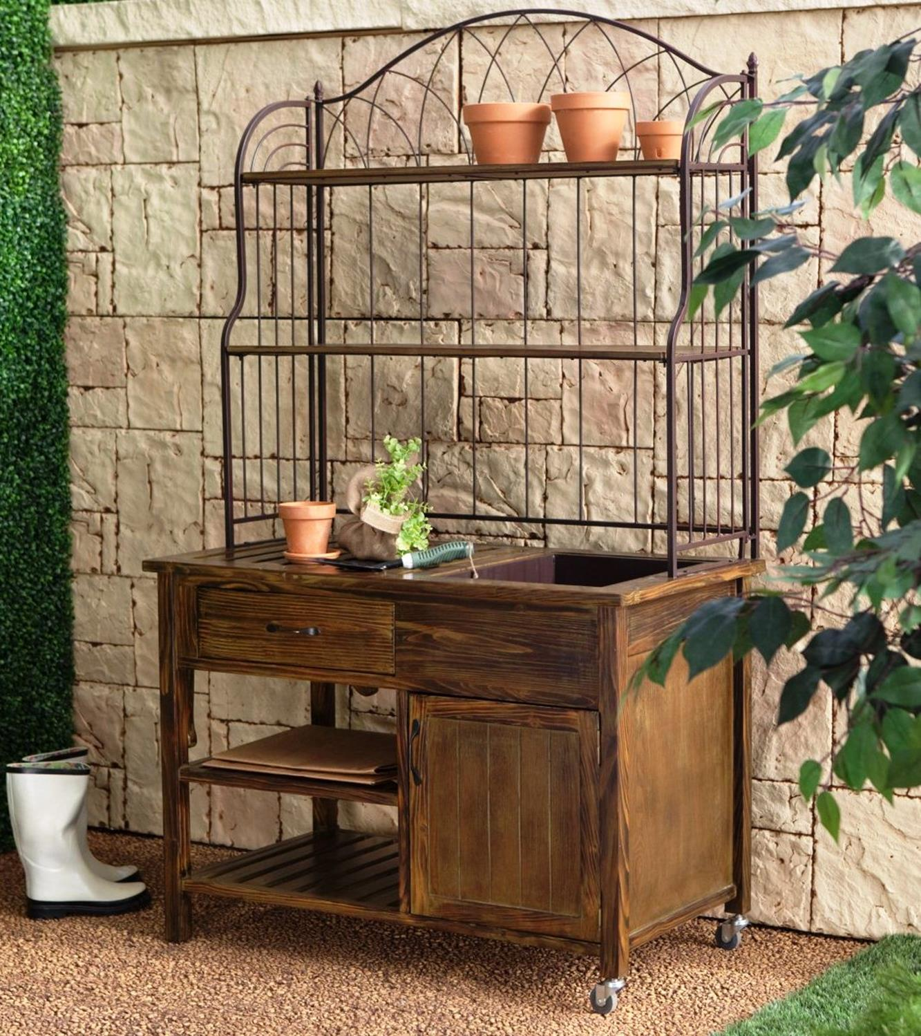 Outdoor Garden Potting Bench Design Ideas 28