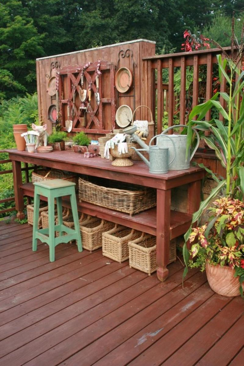 Outdoor Garden Potting Bench Design Ideas 37