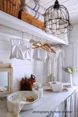 Vintage Laundry Room Decoration Ideas 9