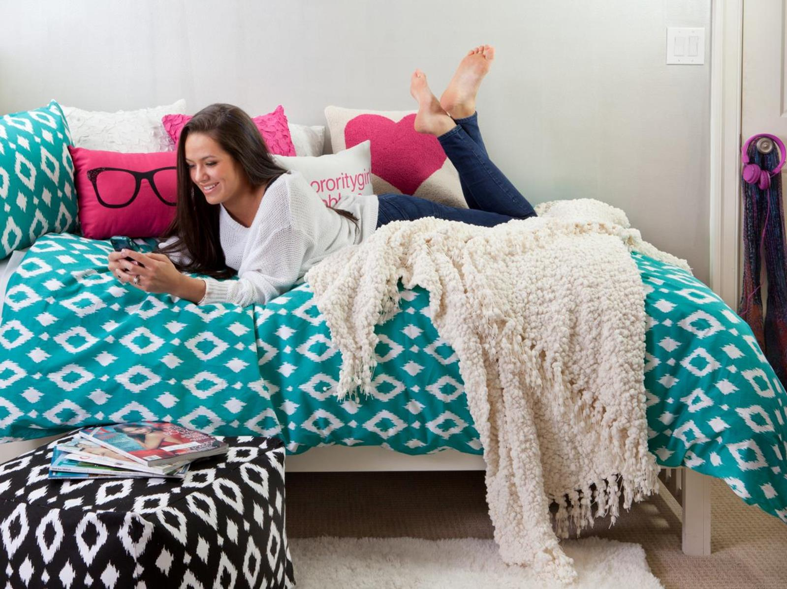 College Dorm Wall Decor For Girl 39