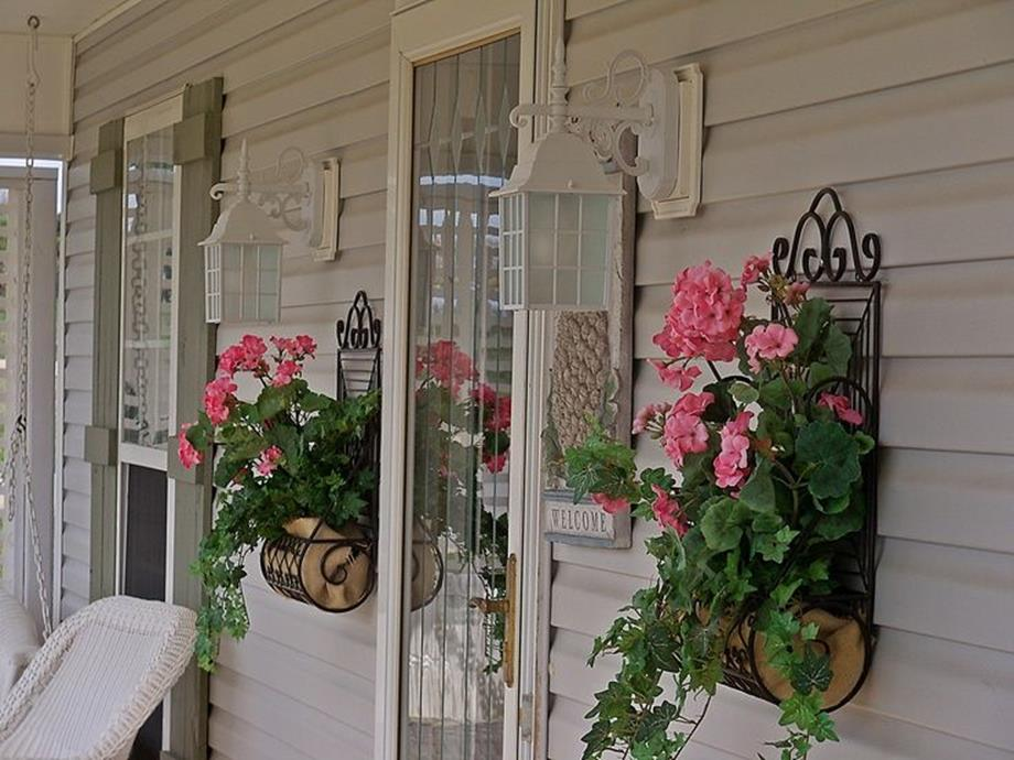 Country Front Porch Spring Decorating Ideas 21