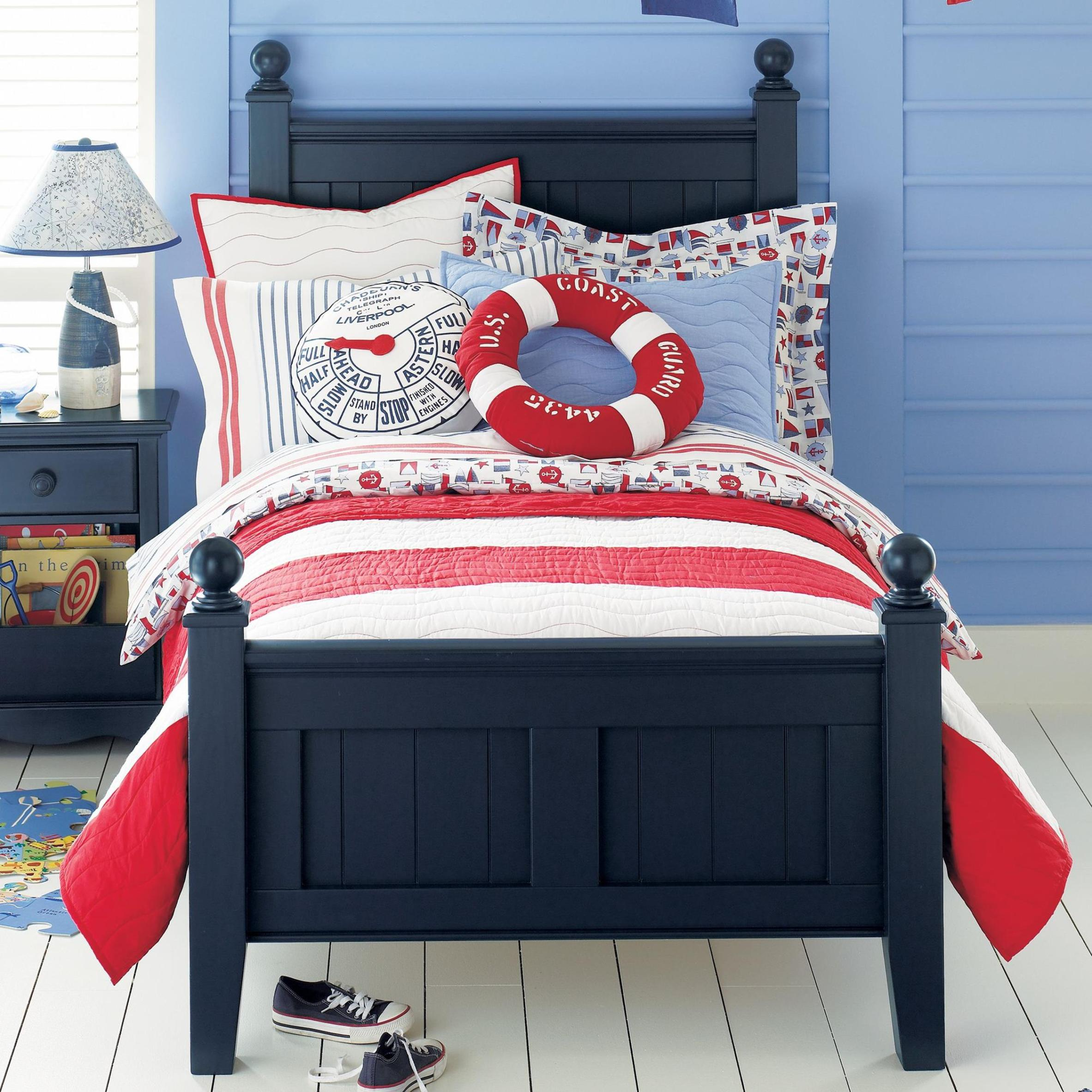 Nautical Themed Bedroom Design and Decor Ideas 39