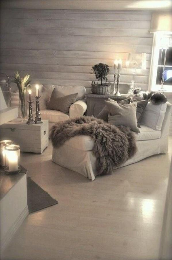 Shabby Chic Living Room Decorating on A Budget 10