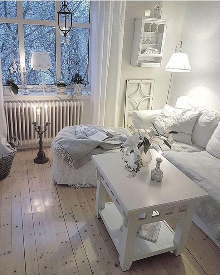 Shabby Chic Living Room Decorating on A Budget 2
