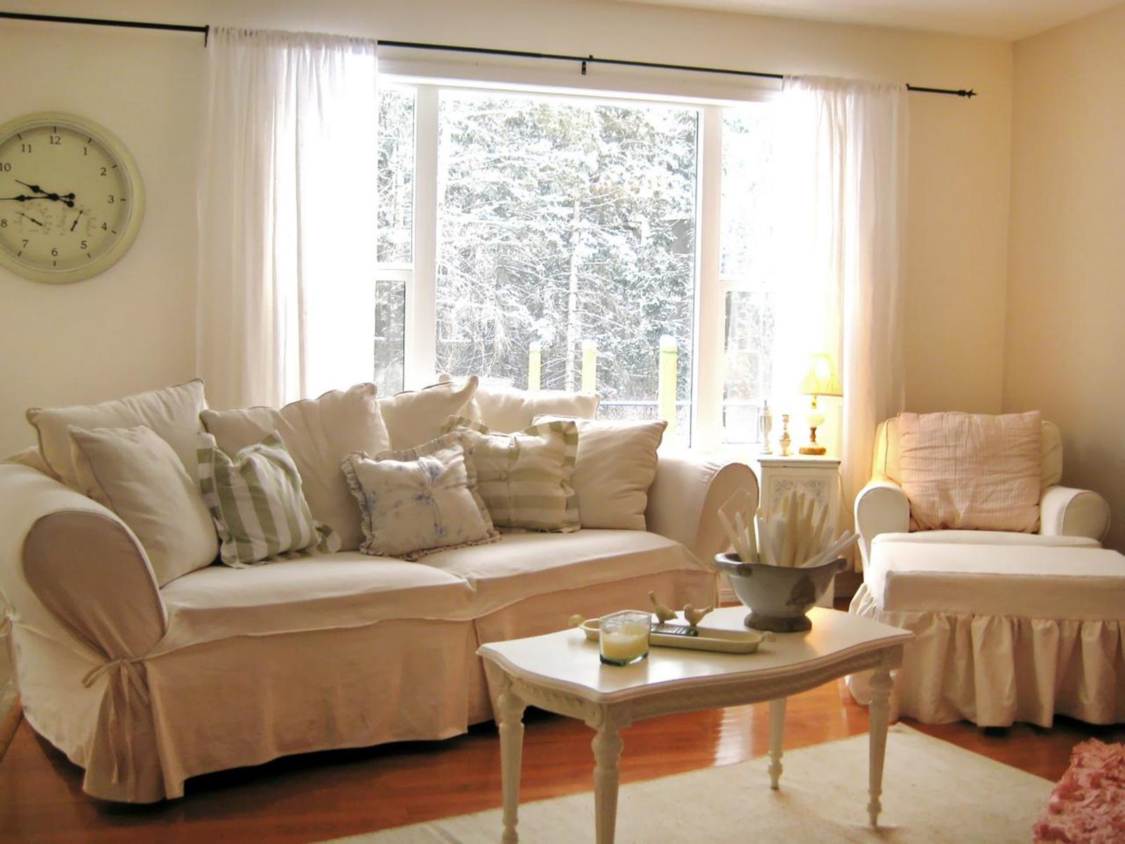 Shabby Chic Living Room Decorating on A Budget 39