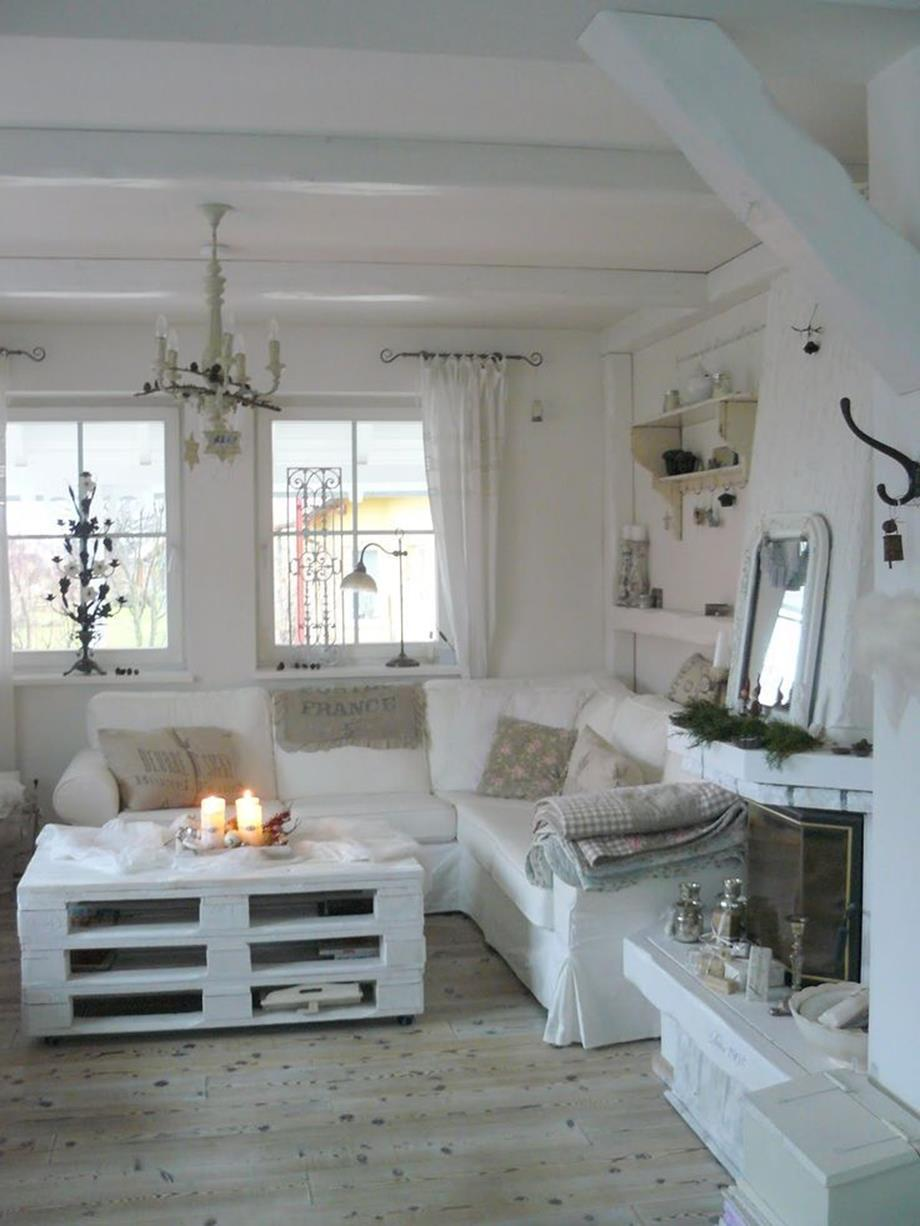 Shabby Chic Living Room Decorating on A Budget 9