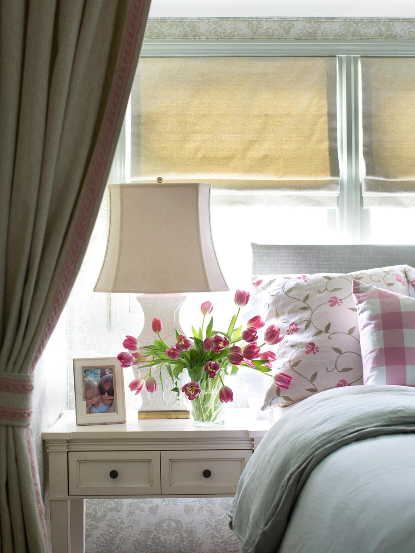 Bedroom Decorating Ideas for Spring 43