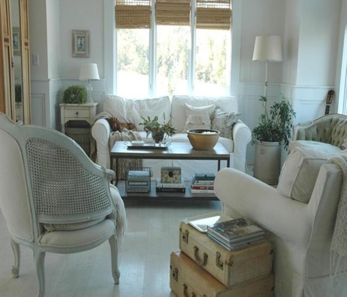 City Chic Living Room Decorating Ideas On a Budget 11