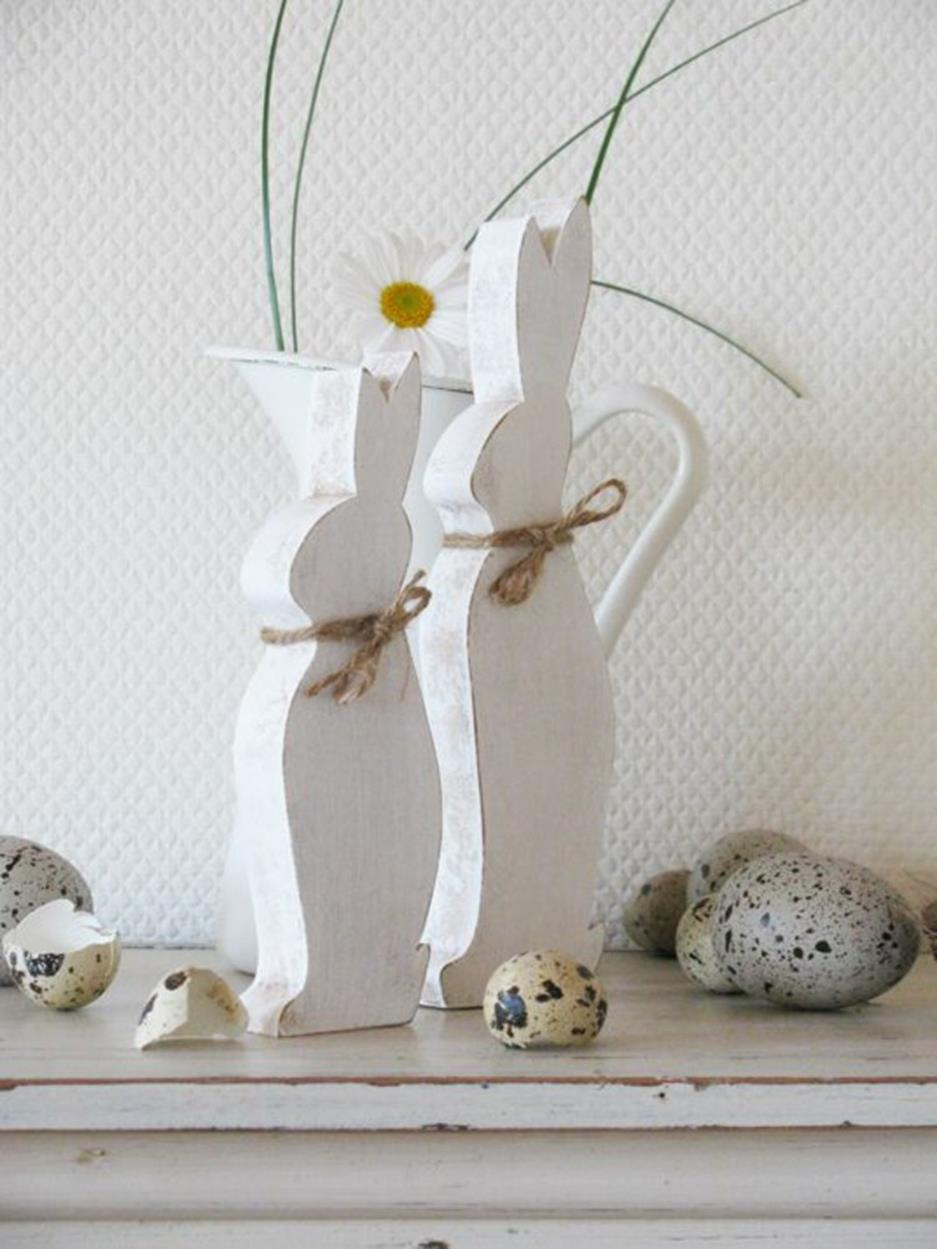 Cute Wooden Easter Decorations for the Outside 16