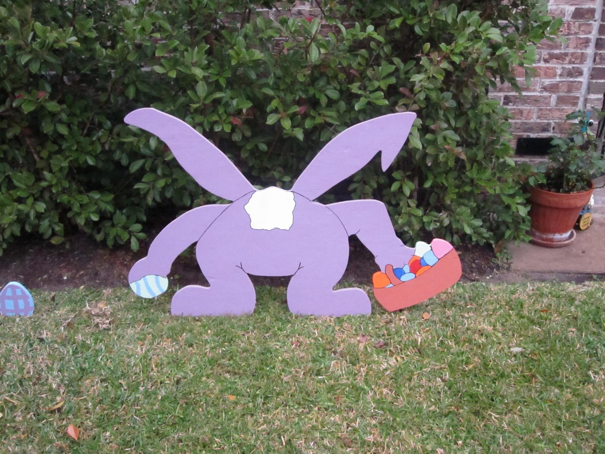 Cute Wooden Easter Decorations for the Outside 33