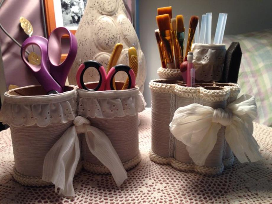 Inexpensive Shabby Chic Craft Table Ideas 35