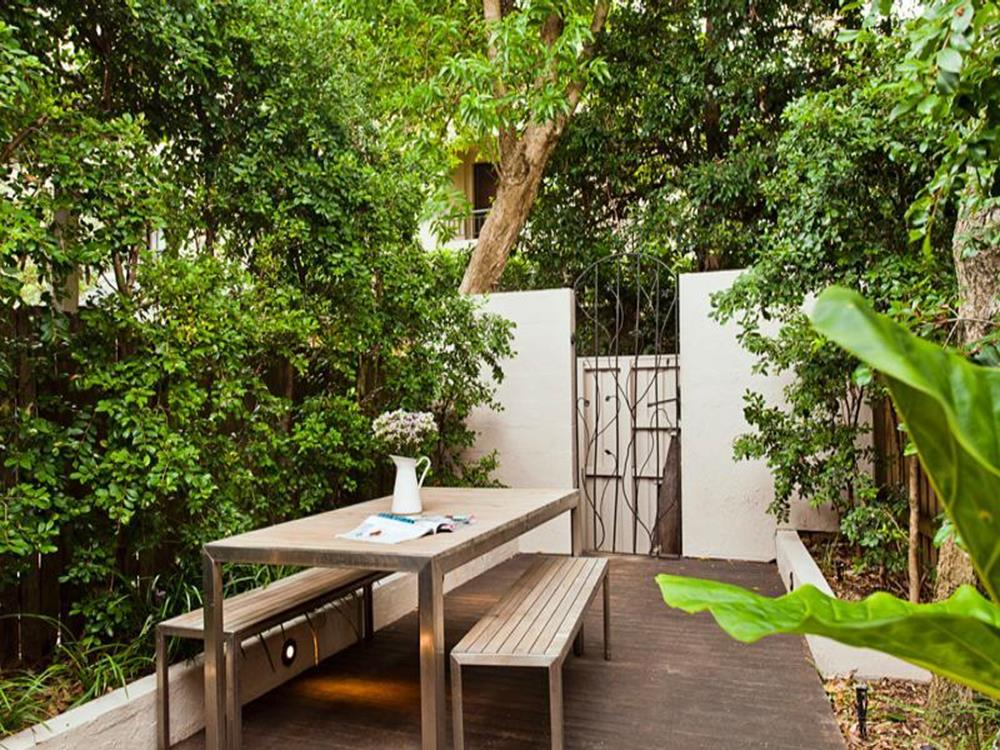 Perfect Small Outdoor Spaces Design Ideas 13