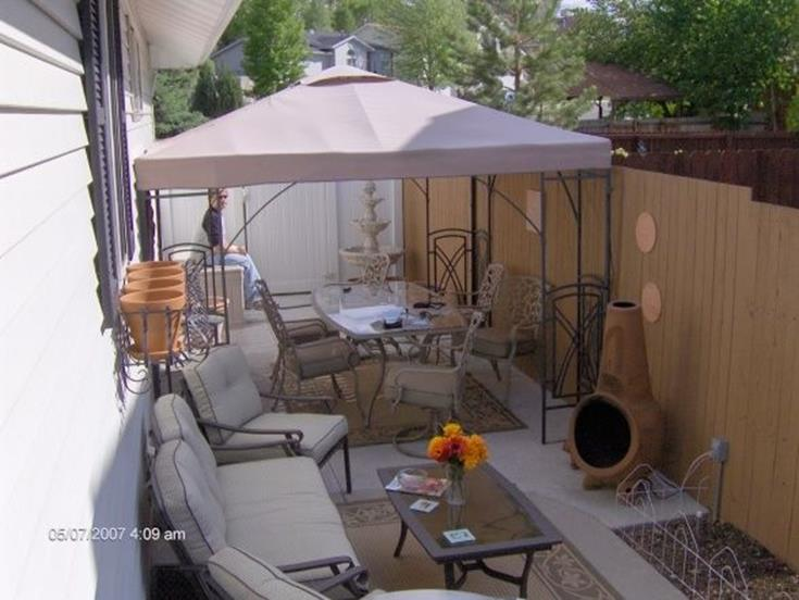 Perfect Small Outdoor Spaces Design Ideas 23