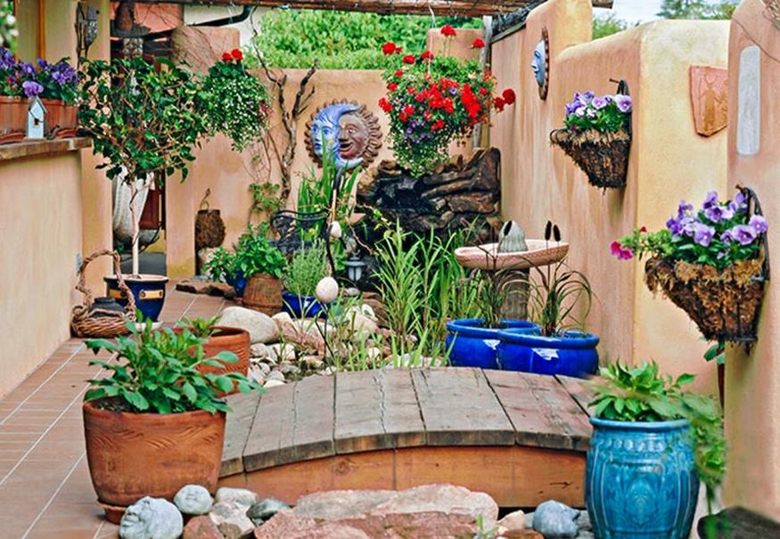 Perfect Small Outdoor Spaces Design Ideas 38