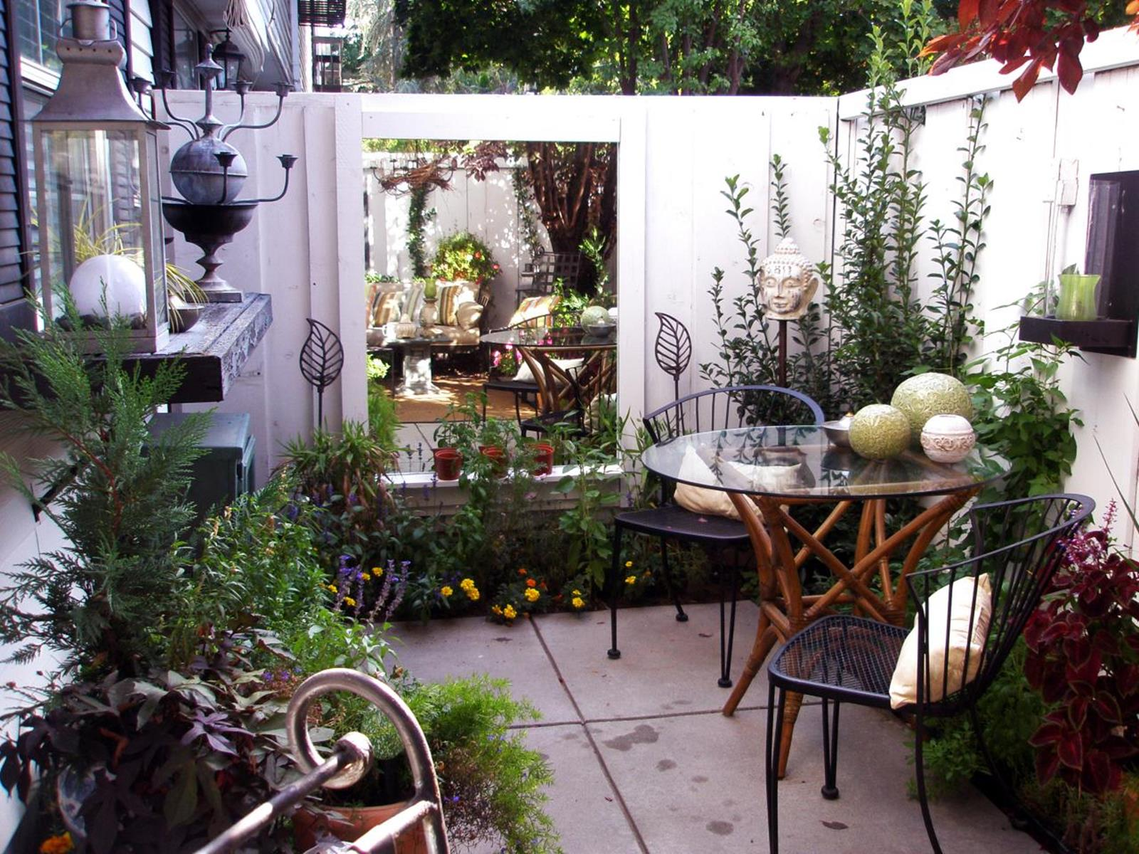 Perfect Small Outdoor Spaces Design Ideas 49