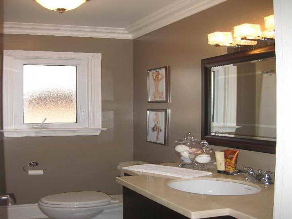 Stunning Gray Bathrooms with Accent Color Ideas 30