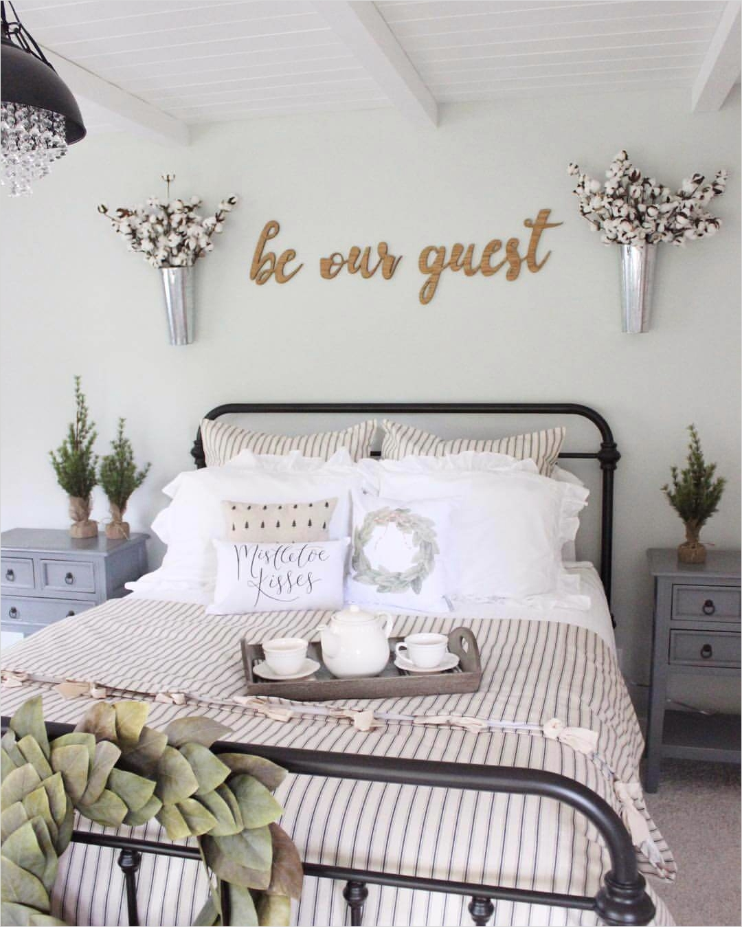 43 Stunning Country Farmhouse Bedroom Ideas 39 39 Best Farmhouse Bedroom Design and Decor Ideas for 2018 2