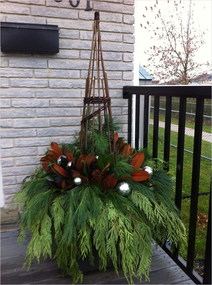42 Beautiful Christmas Outdoor Pot Decorations Ideas 35 423 Best Potted Plants Flowers Etc for Decks and Verandas Images On Pinterest 6