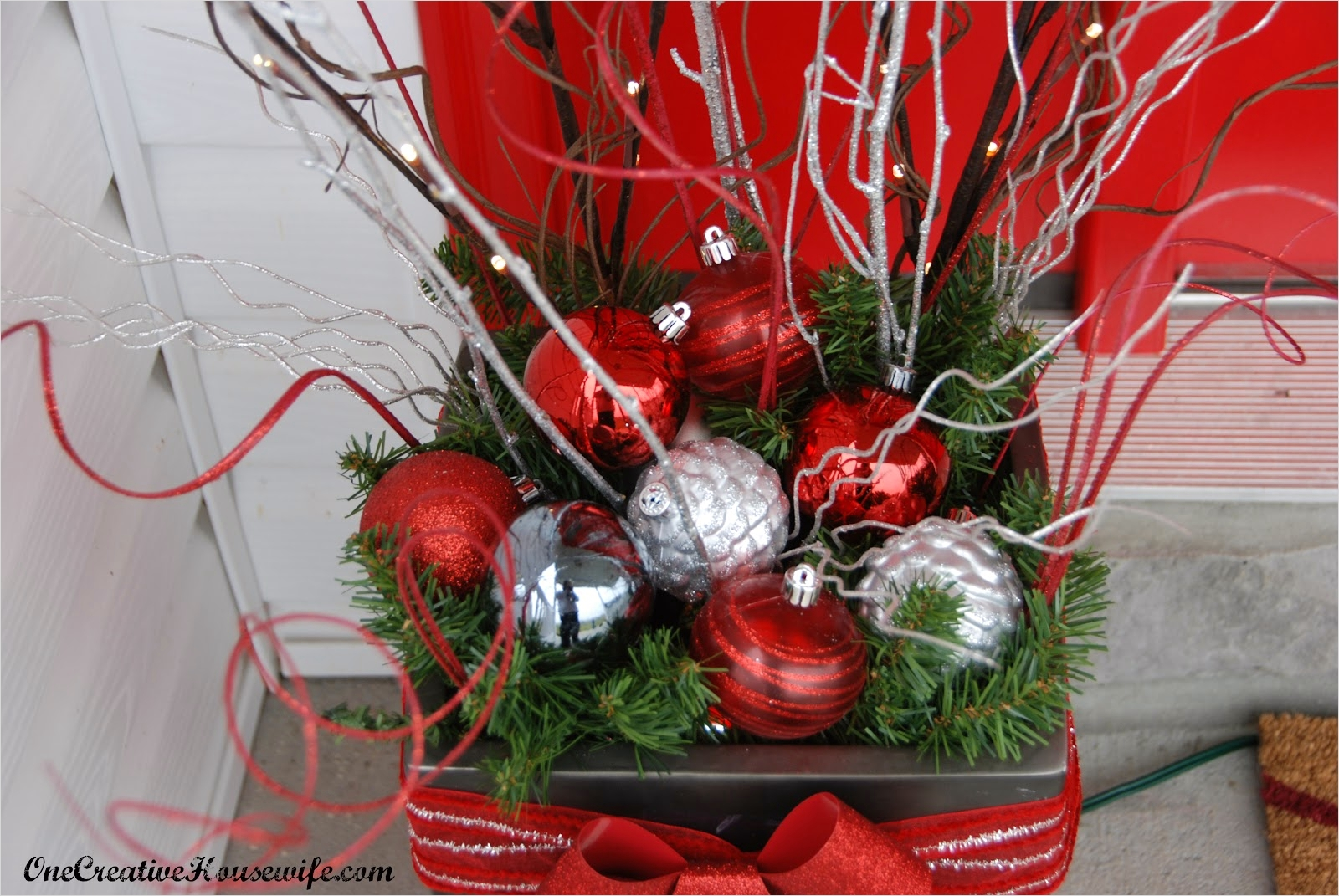 42 Beautiful Christmas Outdoor Pot Decorations Ideas 45 E Creative Housewife My Outdoor Christmas Decorations 6