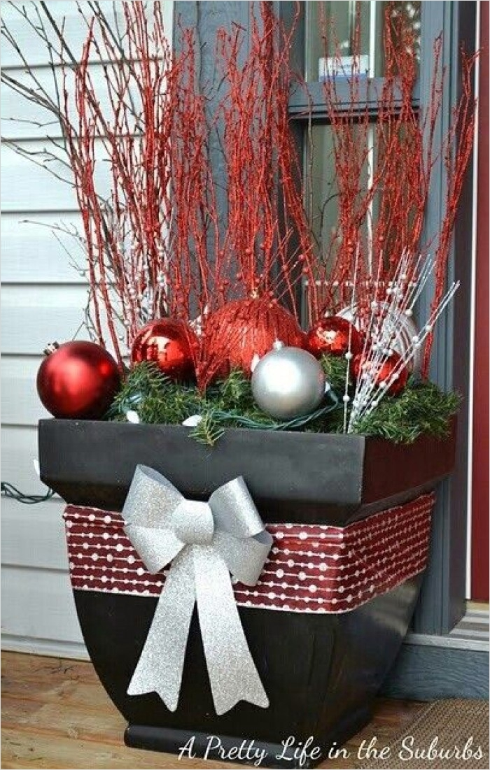 42 Beautiful Christmas Outdoor Pot Decorations Ideas 98 25 top Outdoor Christmas Decorations On Pinterest Easyday 4