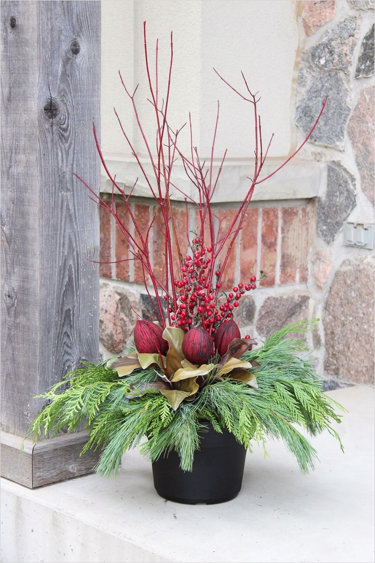42 Beautiful Christmas Outdoor Pot Decorations Ideas 25 Best 25 Outdoor Christmas Planters Ideas On Pinterest 6
