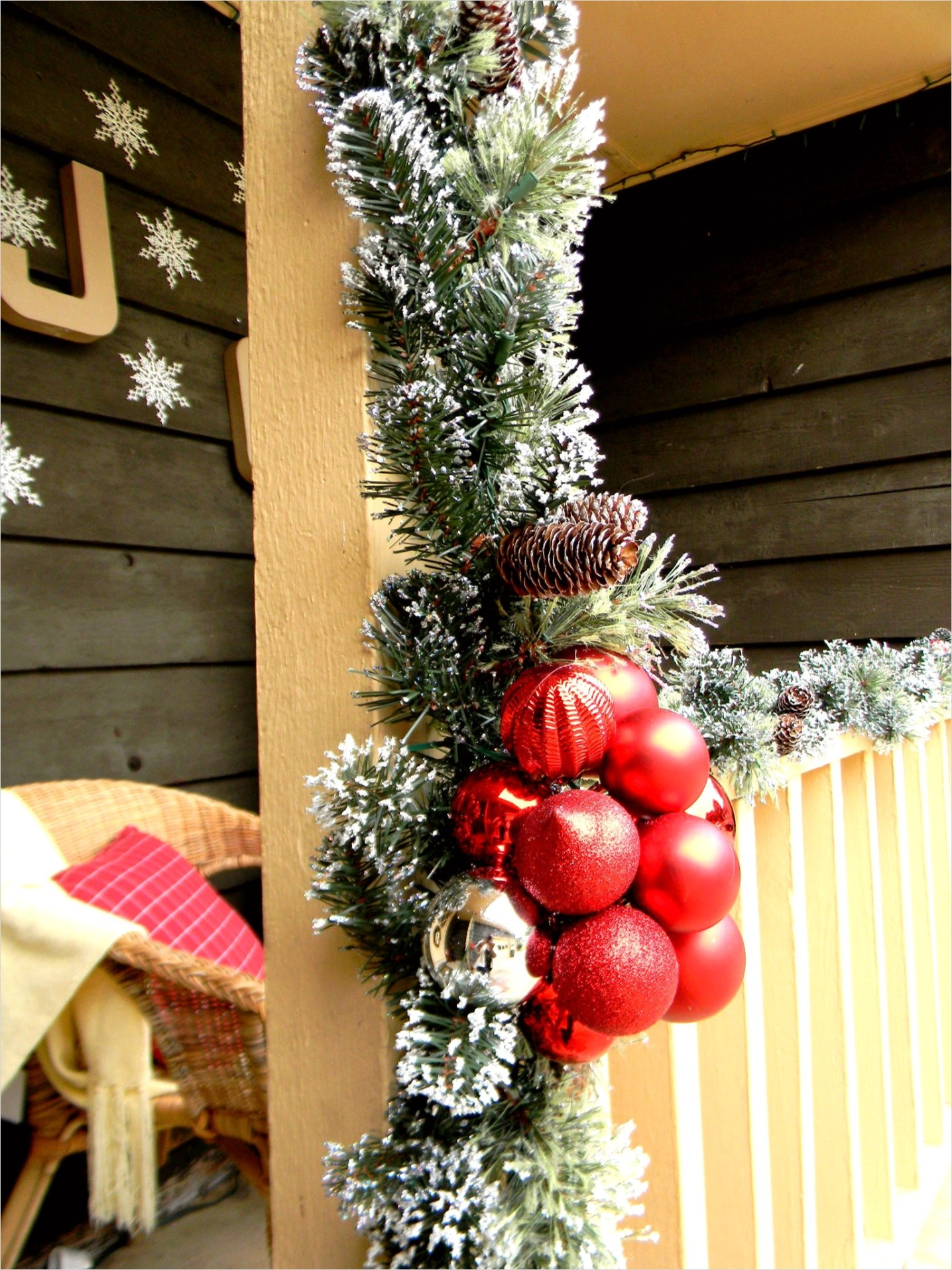 42 Stunning Country Christmas Centerpieces Ideas Ideas 71 Front Porch Christmas Decorating Ideas Country Christmas 7
