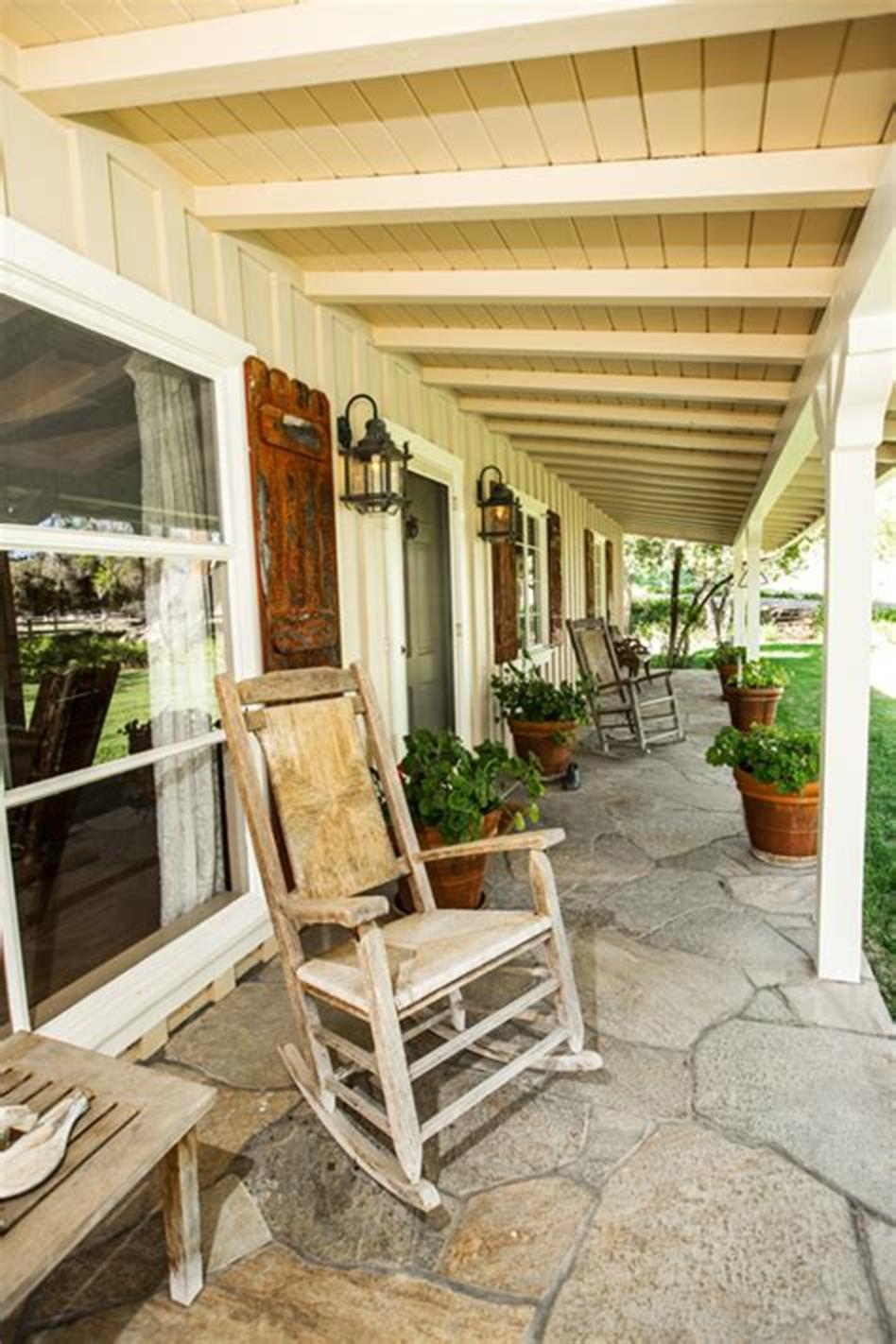 45 Perfect Rustic Porch Furniture Ideas for 2019 2