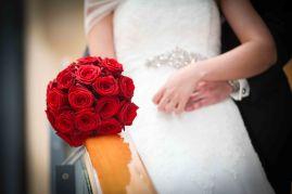Bouquet rond classique de rose rouge