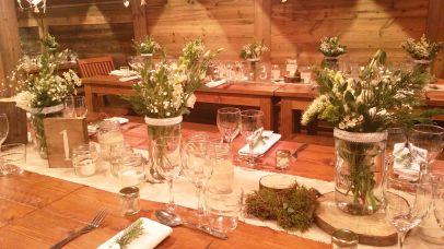 """Décoration des tables, petite ambiance """"forêt""""...."""